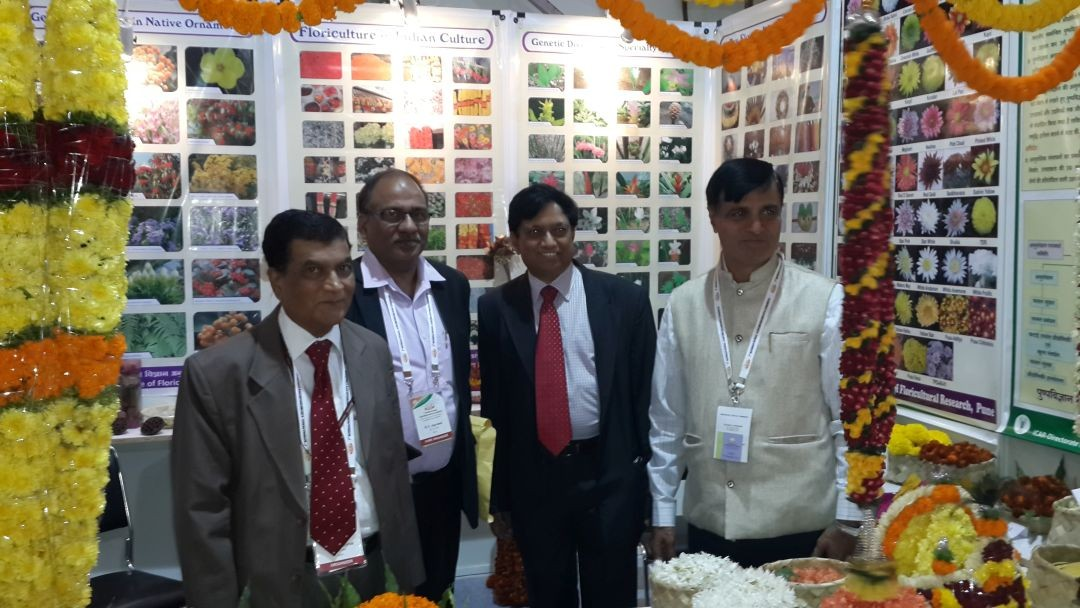Dr. R. R. Hanchinal, Chairperson PPV&FRA along with Registrar General, Dr. R.C. Agarwal visited ICAR-DFR stall.