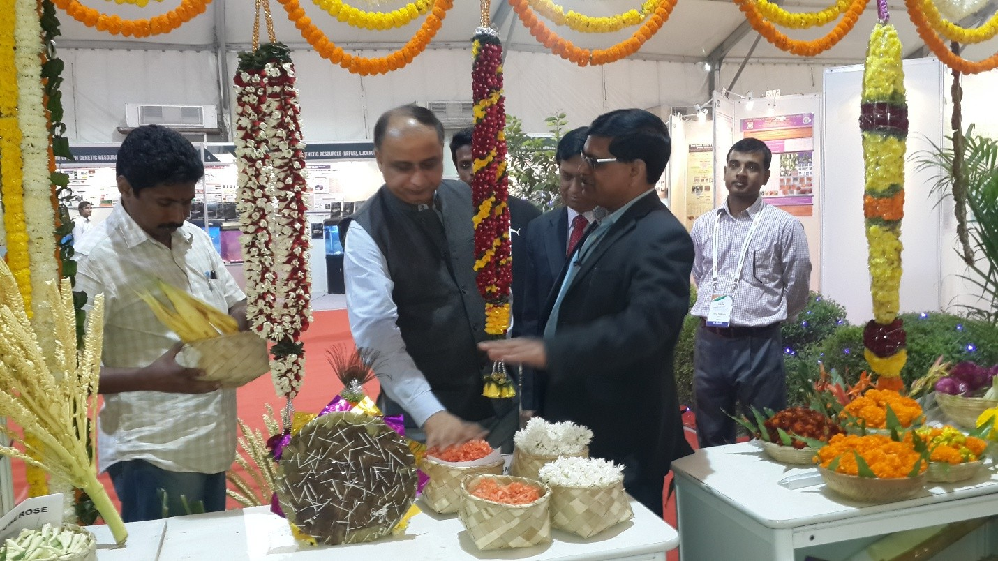 Dr. A. K. Singh DDG Horticulture & DDG Extension ICAR admiring the floral exhibits.